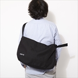 [ザックパック]NO FLAP SLING BLK/BLUE