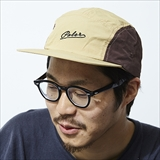 [ポーラ]ARROW FONT 5PANEL NYLON CAP