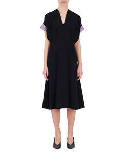 EMBROIDERY CUFFS V-NECK DRESS