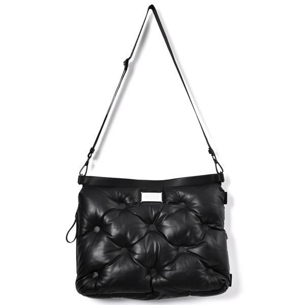 LEATHER SHOULDER BAG/BLACK