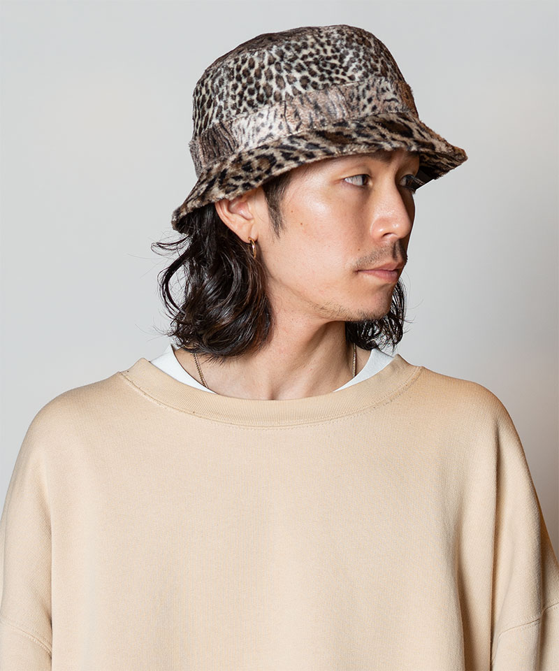 HK ANIMAL STAND HAT