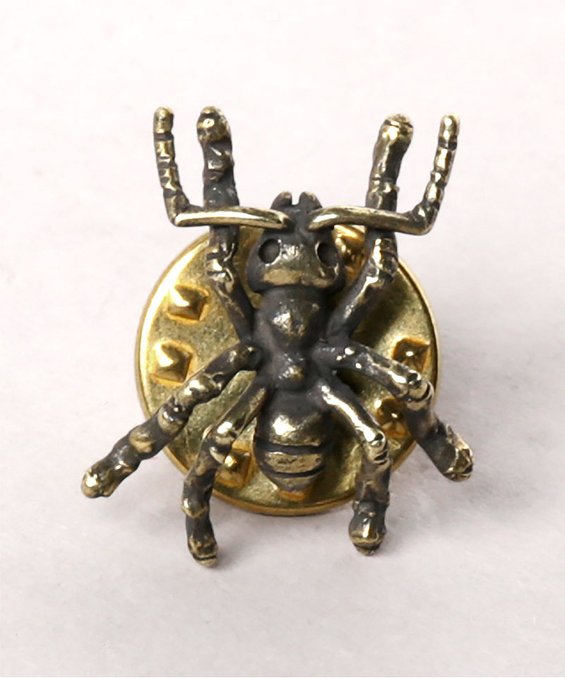 QUEEN ANT PIN3