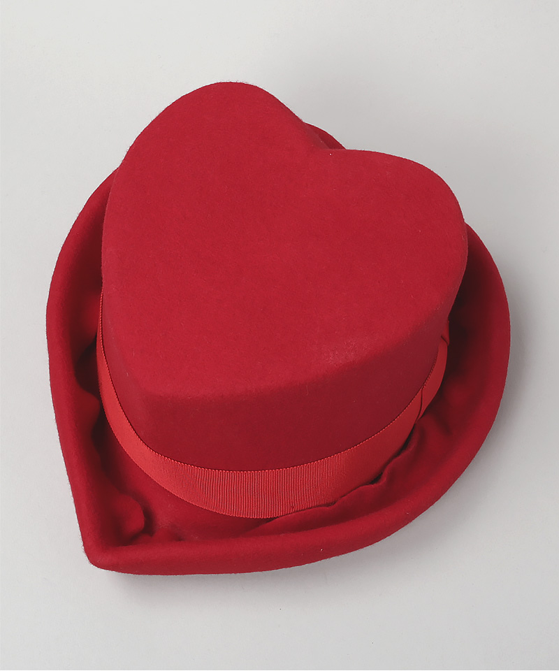 RED HEART HAT AW