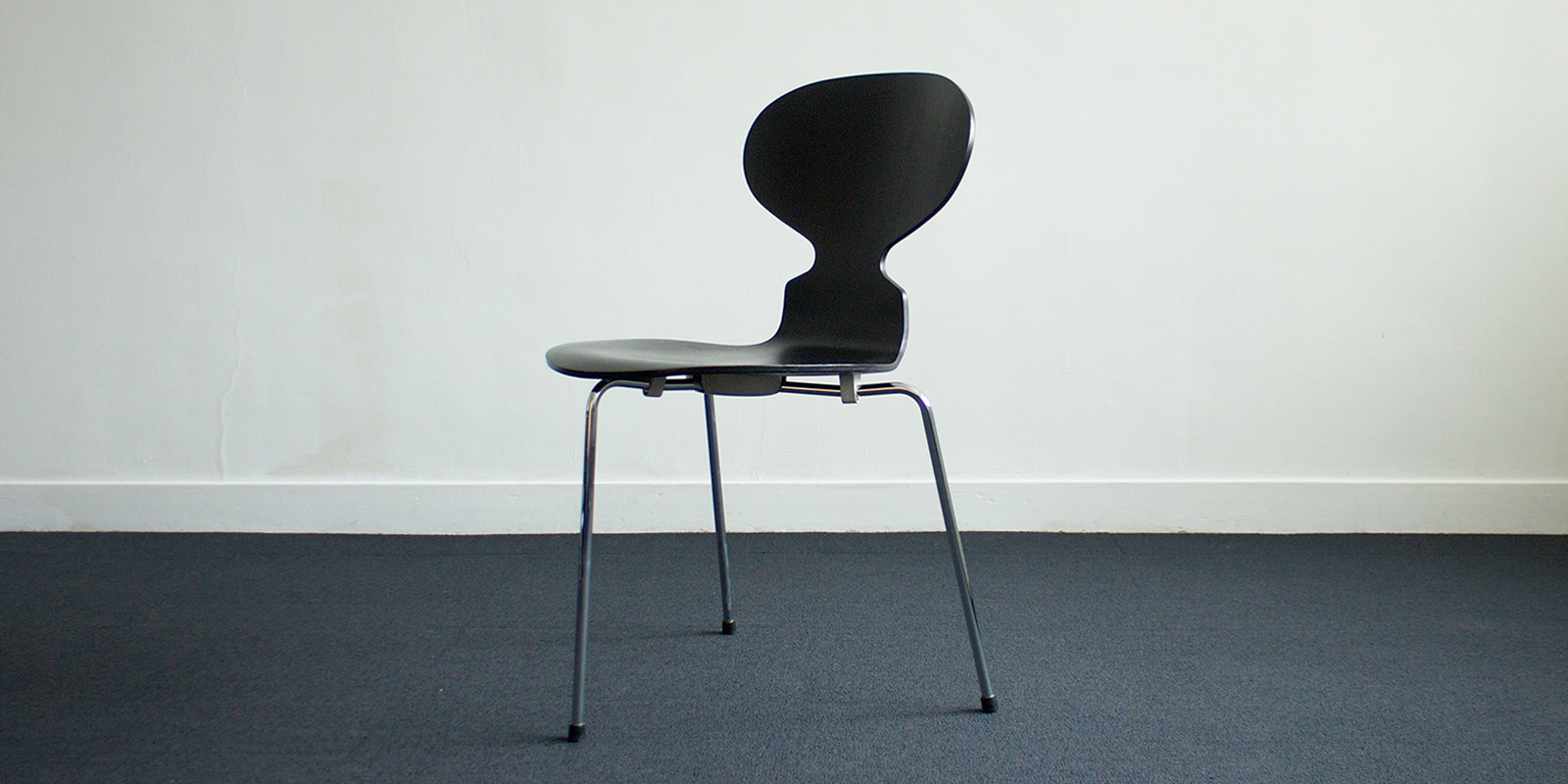 【sold out】FritzHansen アントチェア 3本脚
