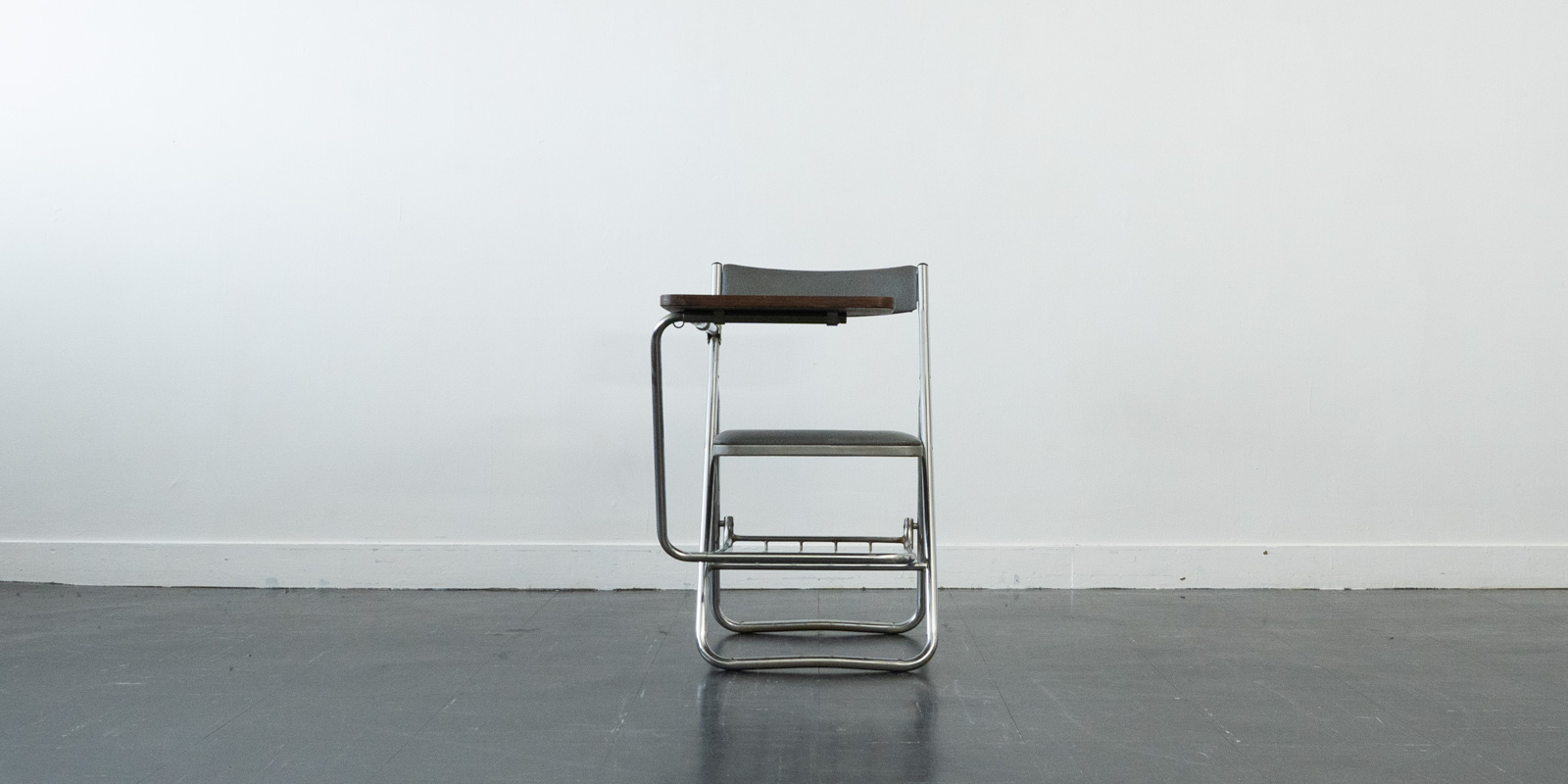 Houtoku folding chair(USED)