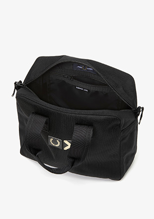 Fred Perry x  Luggage Label Grip Bag