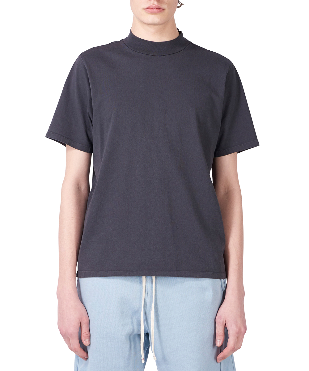 MOCK NECK SHORT SLEEVE TEE