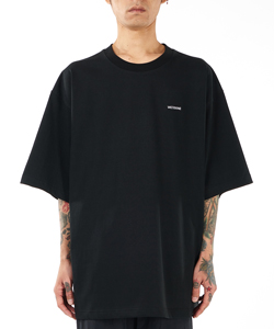 WELLDONE LOGO HIGH NECK T-SHIRT