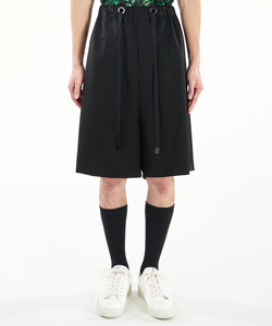 WIDE RELAXED SHORT PANTS