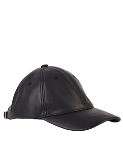 BLACK FAKE LEATHER EMBOSSED LOGO CAP