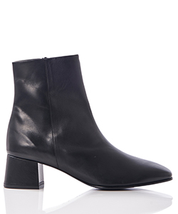 SQUARE TOE SHORT BOOTS