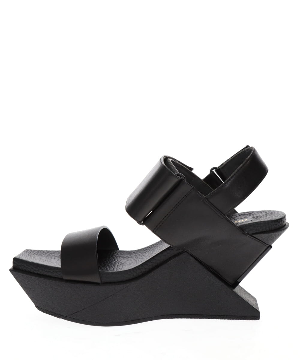 DELTA WEDGE SANDAL
