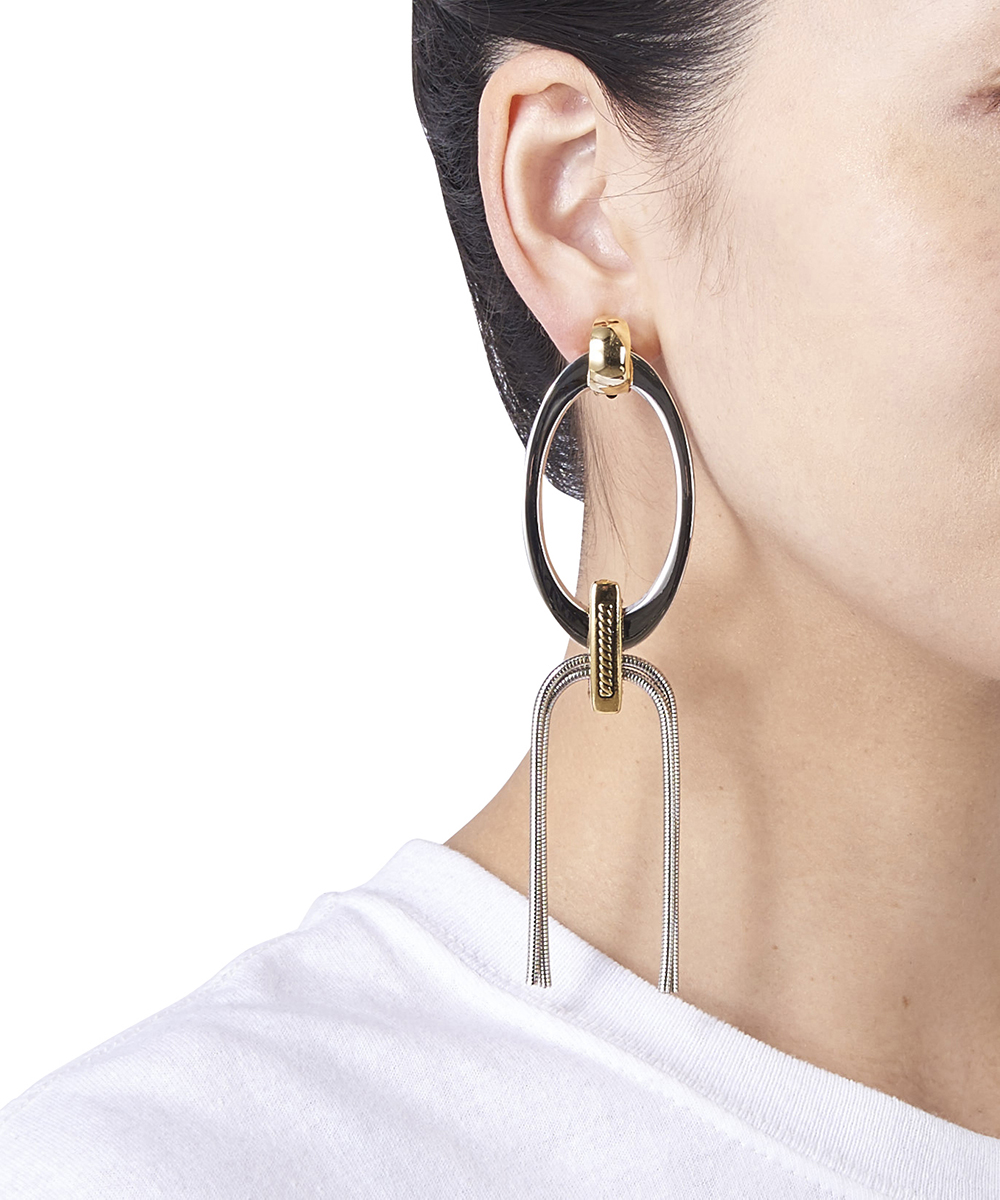 METAL RING EARRING