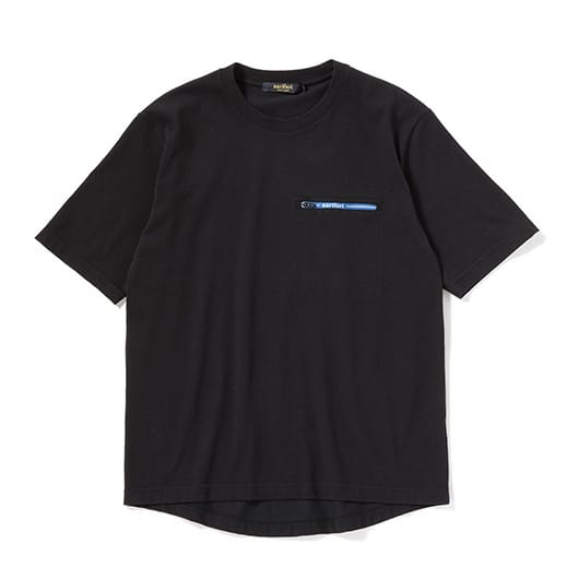 Multi-tech pocket T-shirt