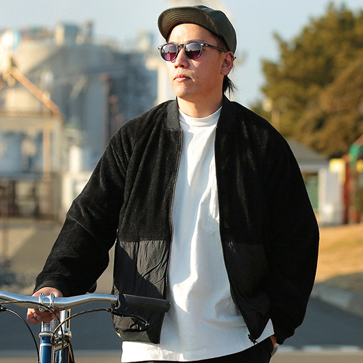 Light weight reversible blouson