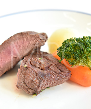 POCHI DELICATESSEN 【季節限定品】 馬肉のグリエ3種の野菜添え ◆クール便(冷凍)◆