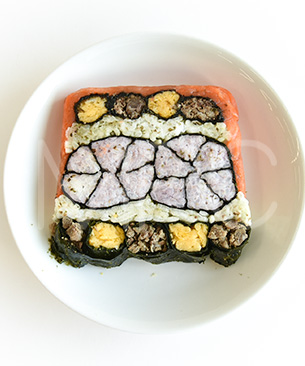 POCHI DELICATESSEN 【季節限定品】鮭と馬肉の飾り寿司◆クール便(冷凍)◆