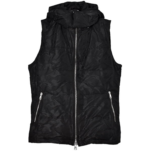 simple hooded down vest/camo