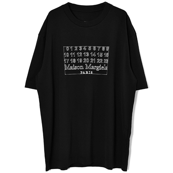 NUMBER LOGO OVER FIT TEE/BLACK