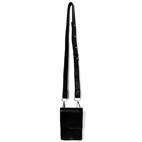 LEATHER CROSS BODY BAG/BLACK