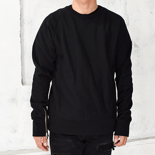 crew neck sweatshirt./black
