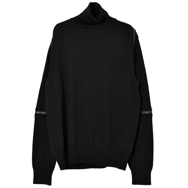 back zip turtleneck sweater./black