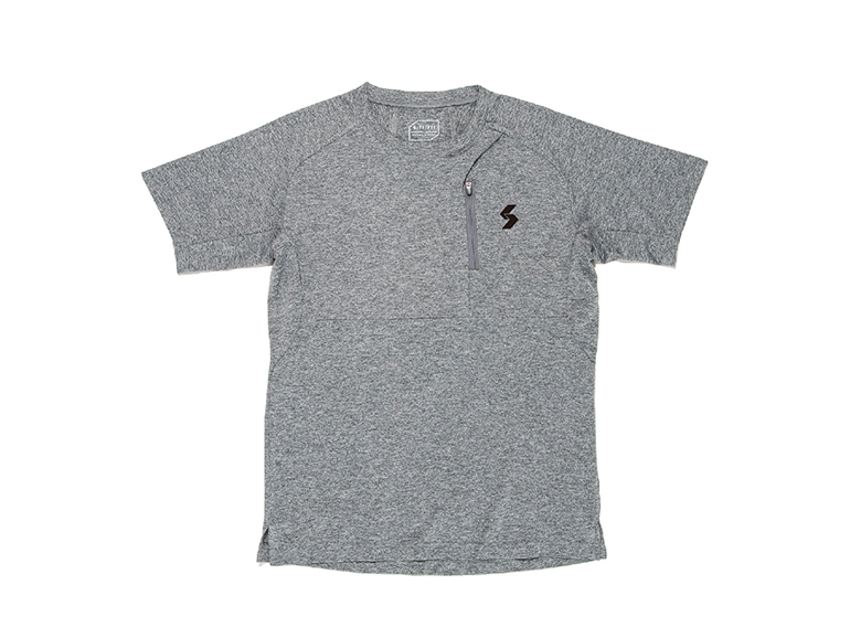 DRY DOT LOGO GRAPHIC POCKET S/S TEE